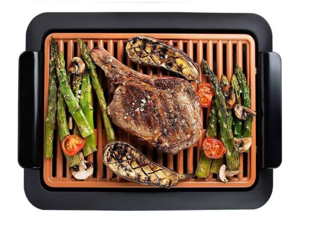 Indoor grill with steak and veggies