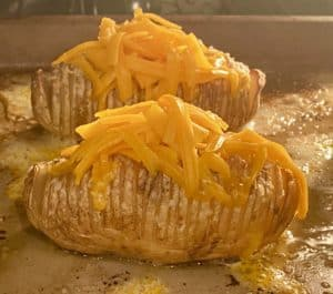 Hassleback potato : cheese
